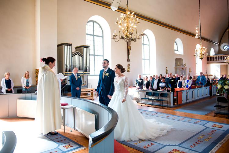 bröllop vårdnäs kyrka_bröllopsfotograf östergötland_05