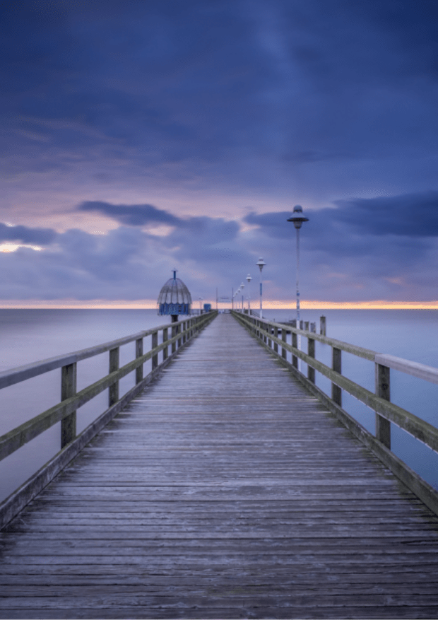 How to change your life | standing on a pier looking out to the horizon \ www.dawnquest.co.uk