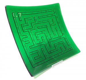 Dawn Turner green maze dish 72dpi