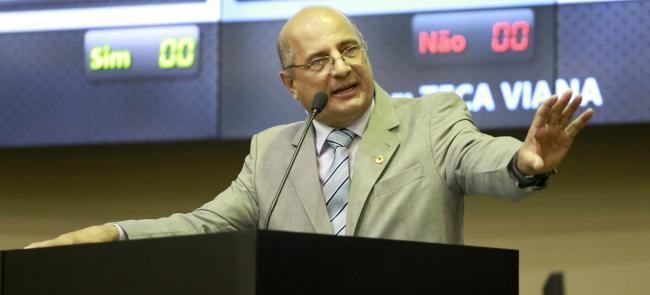 RGA : Substitutivo não é inconstitucional porque está previsto na LDO de 2016, afirma Zeca Viana