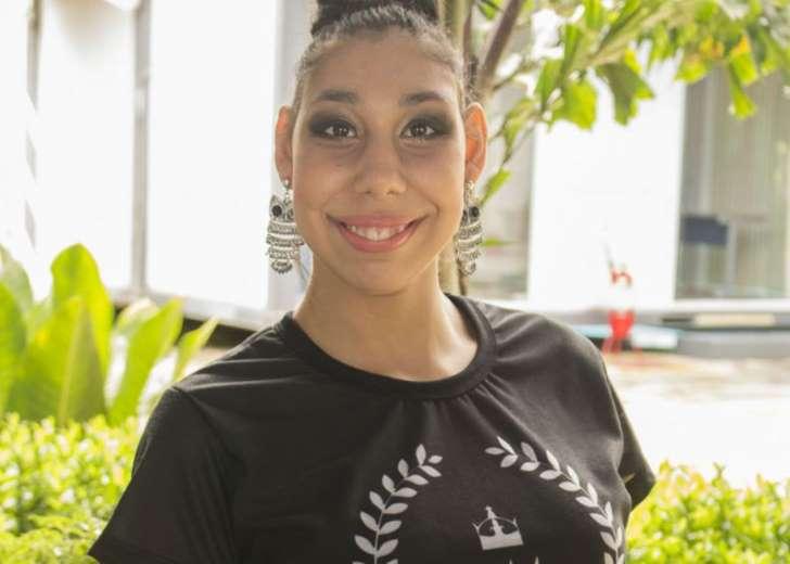 """Brasileira se torna 1ª modelo do mundo com microcefalia: """"Ela se transforma no estúdio"""""""