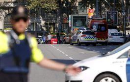 Motorista joga van sobre multidão em Barcelona; polícia confirma 13 mortos e 50 feridos