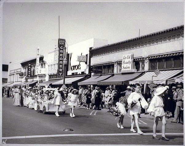 1938 or 1939 May Fete Parade in Palo Alto, photo credit: Palo Alto Historical Society