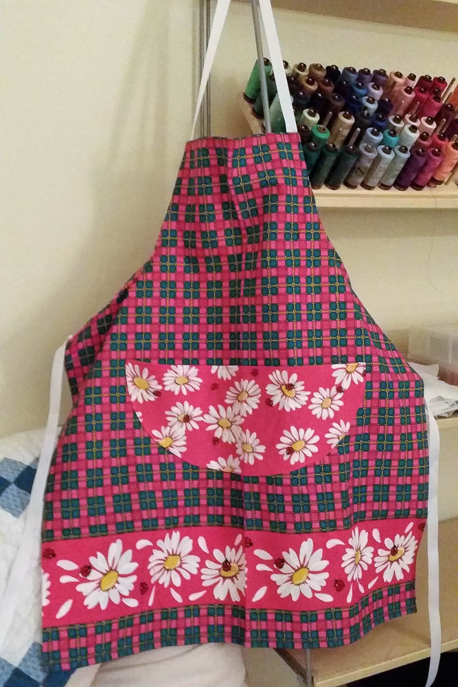 Bright pink girlie apron, very cute