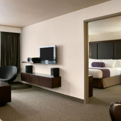 Hotel With Kitchen In Room Table & Chairs Rooms And Suites Days Inn Regina