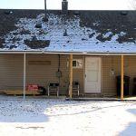 Cape Cod Features 4 Bedrooms Detached Garage