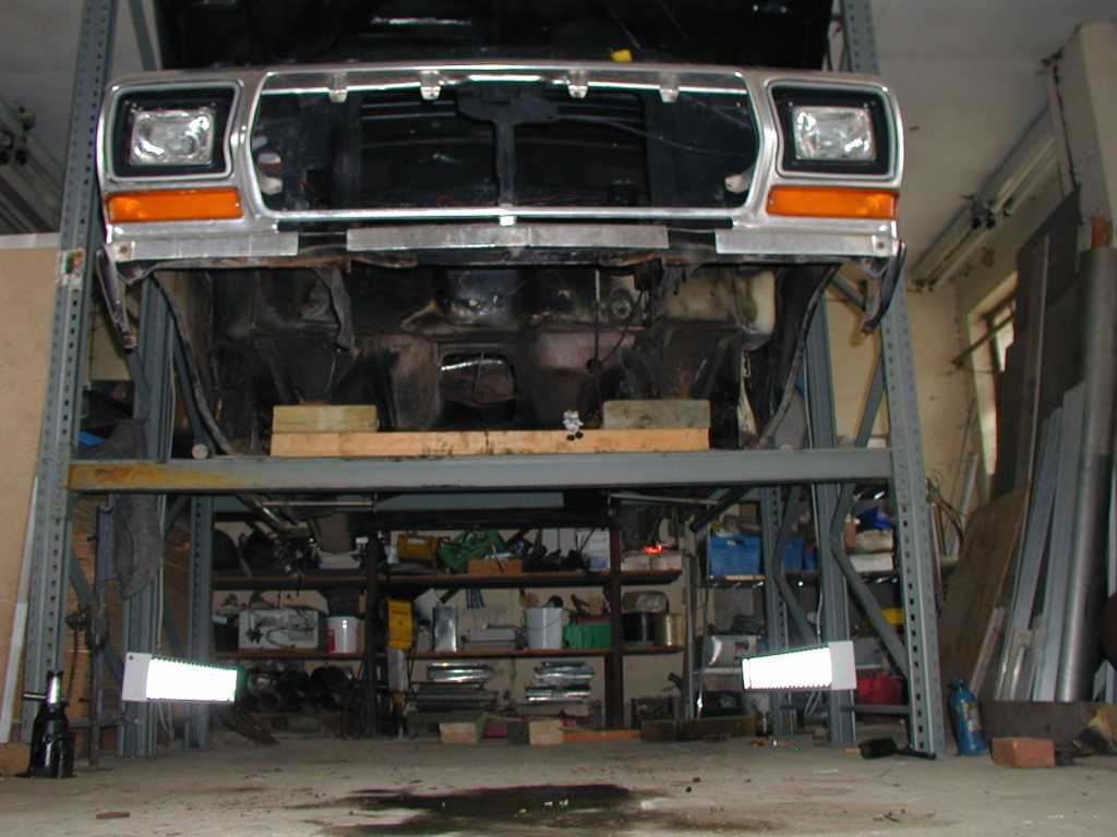Bronco Restauration  Trucks and Camper