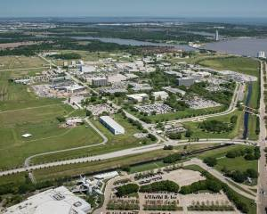 How did the Manned Spacecraft Center end up in Houston?
