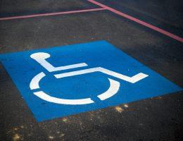 De grootte van rolstoelbussen