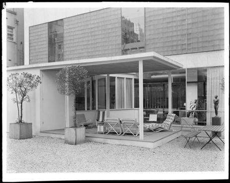 s izložbe... Organic Design in Home Furnishings (MoMA)