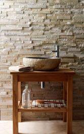 Mandarin kamen, na podu i zidu