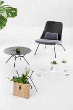 Strain kolekcija, Prostoria, dizajn: Simon Morasi Piperčić, fotelja od 7249 kn, stolić 2704 kn