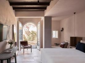 santorini-istoria-design-hotel (1)