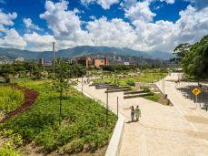 Masterplanning WINNER + Future Project of the Year 2018 - Sebastian Monsalve + Juan David Hoyos - Medellin River Parks, Botanical Park Master Plan, Medellin, Colombia / Landezine