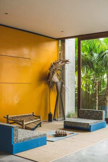 Concrete-House-Bali-by-Patishandika-10