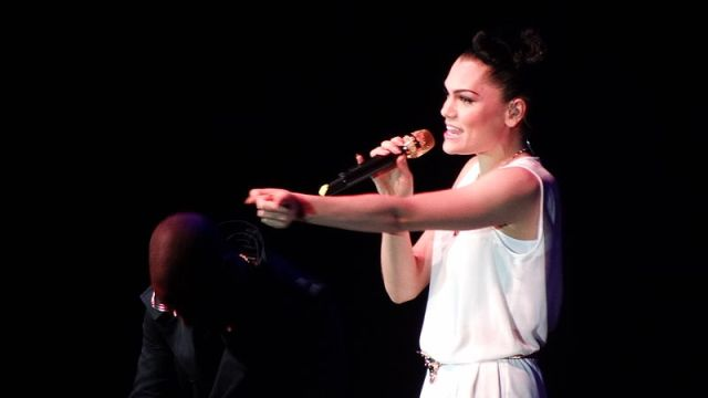 Jessie J Wakes Girl From Coma By Singing
