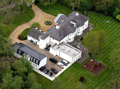 Brad Pitt And Angelina Jolie $24,000 A Month Rental Property In Surrey, England Location For Wedding?