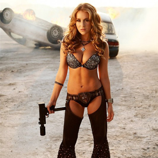 Alexa Vega: 'Machete Kills' photo Oozes Sexy