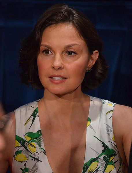 Ashley Judd Dress At Movie Premier Is A Show Stopper