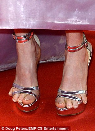 Julianne Moore toes