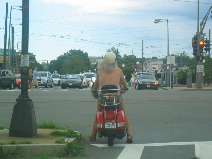 naked scooter driver cooling