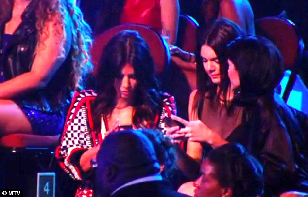 Kardashians Texting During Tribute:  Social Media Disgusted