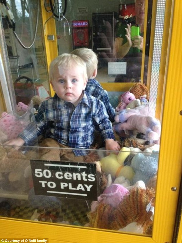 child stuck claw Machine Pics Go Viral  dBTechno