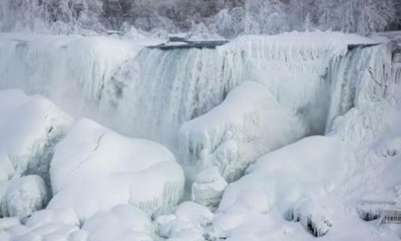 Niagara Falls Frozen:  Niagara Falls Partially Freezes Again
