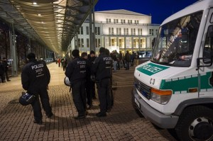 Riot Police (Photo : Getty Images / Jens Schlueter)