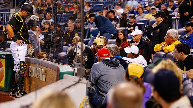 Fan hit by foul ball at Pirates Game (VIDEO)