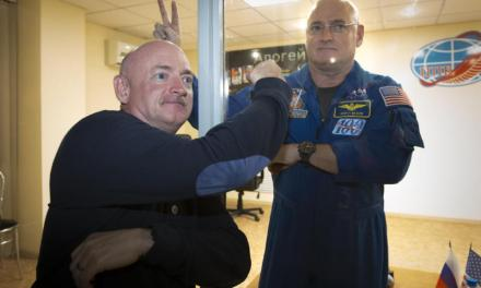 Twin fools NASA:  Twin Plays Prank At Brothers Launch