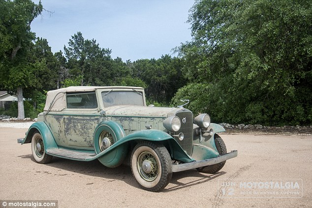 Five pre war automobiles found in barn after four decades   (PHOTOS)