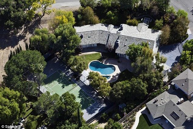 Selena Gomez mansion 1