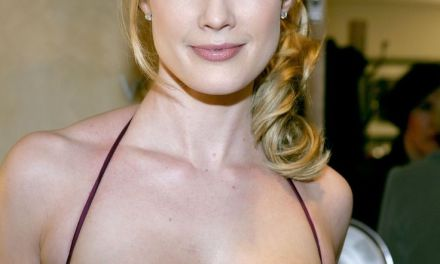 Stephanie March Jokes About Her Cooking Skills Post Divorce