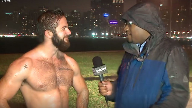 Shirtless Jogger In Chicago Goes Viral (VIDEO)