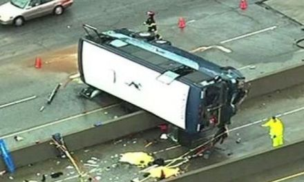 Bus crash On Hwy 101:  Bus Crash Leaves Two Dead (UPDATE)