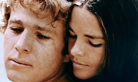 Ali MacGraw and Ryan O'Neal return to Harvard  (PHOTO)