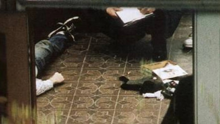 Kurt Cobain shotgun: New photos show Kurt Cobain suicide ...