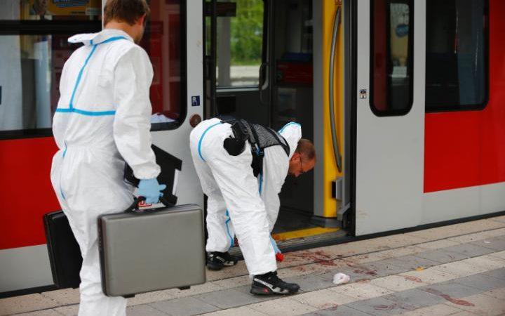 Munich train stabbing leaves one dead (PHOTO)