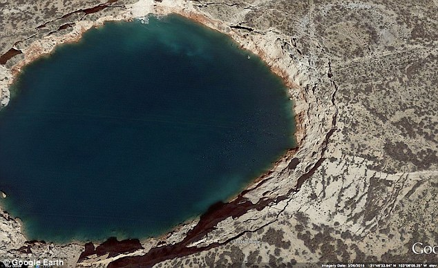 Texas sinkholes are growing even bigger (PHOTO)