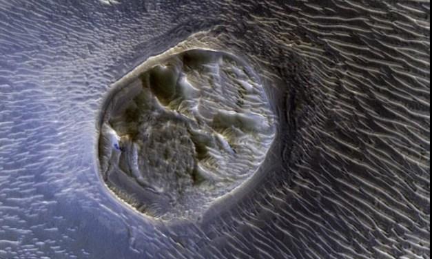 Underground alien city on Mars