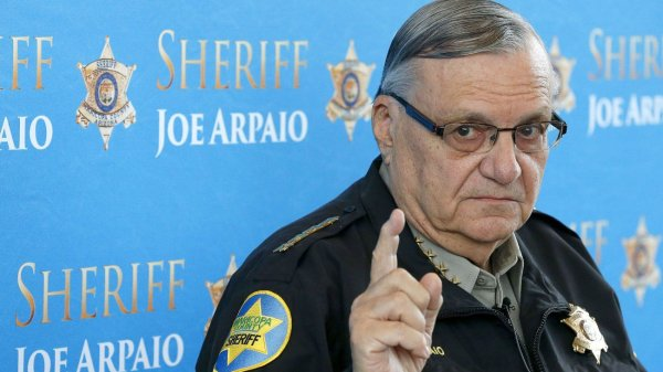 Sheriff Joe Arpaio Draws First Blood against Obama's Executive Amnesty
