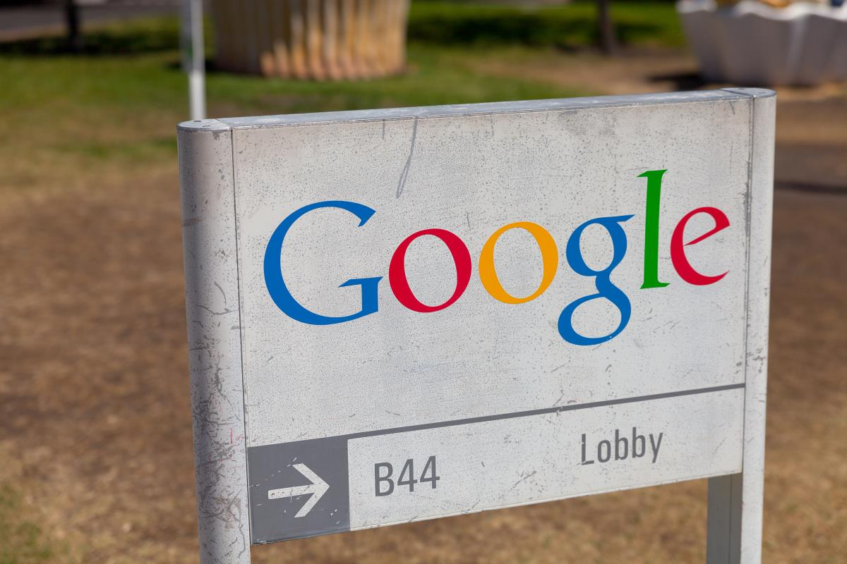 "Google reaches a whole new depth of EVIL by keeping ""black lists"" of white, conservative employees to deny promotions"