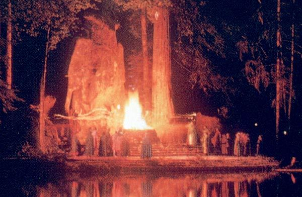 "The Bohemian Grove: Where Conservative ""Christian"" Leaders Go to Dabble in the Occult"