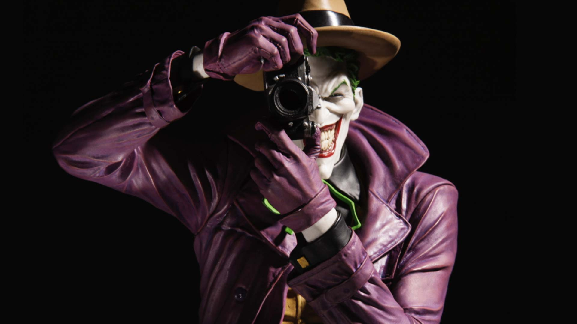 DC Collectibles  DC Designer Series The Joker by Brian