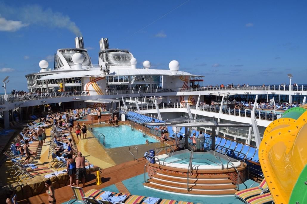 harmony-of-the-seas-deck