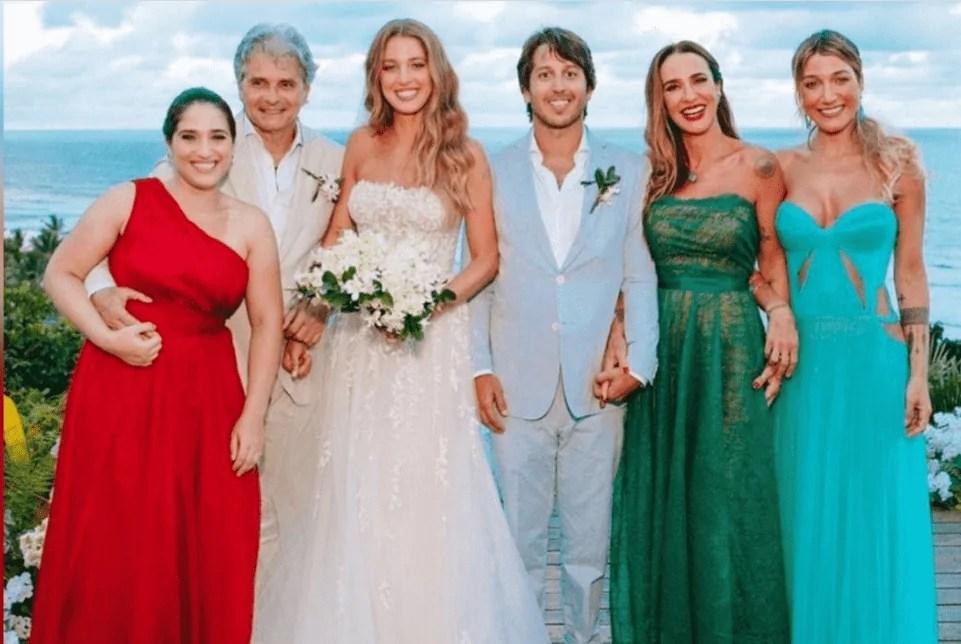 Imagem mostra Gabriela Pugliesi em casamento da irmã
