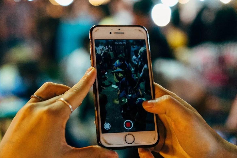 Imagem mostra um iphone gravando vídeos