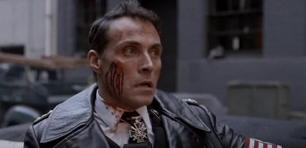 Cena de The Man In The High Castle, série premiada para assistir na Prime Video
