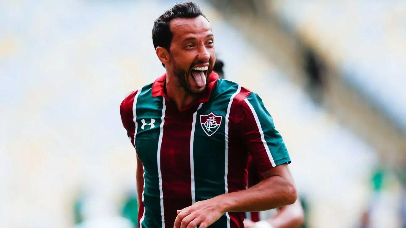 Nenê comemora gol pelo Fluminense